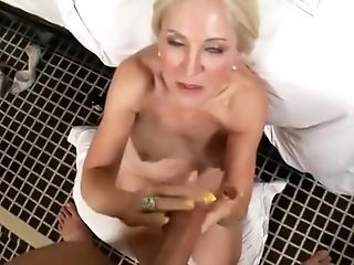Classy Matures Woman Is Having A Wonderful Anal Intercourse