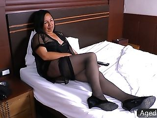 Matures Whore Wifey Andrea Is Cheating On Her Hubby With A Cable Man