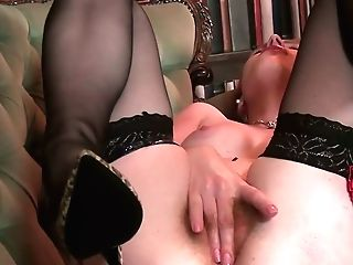 Lonely Housewife Tia Jones Is Playing With Her Wooly Crimson Haired Labia