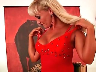 Matures Blonde With Gorgeous Bod Fucks A Fake Penis