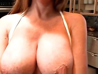 Classy Mummy Fucking A Trunk With Her Tits Point Of View