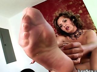 Lacey's Gams And Feet - Lacey Grant - Legsex