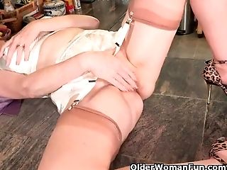 Usa Mummy Lilly Shows Us How To Be A Good Housewife