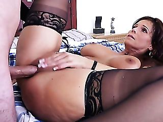 Lustful Curvy Mummy Syren De Mer Makes Crimson Faced Youthfull Pal Groan Of Delight