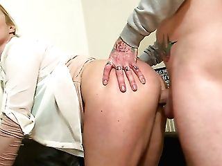 Fairly Big Bottomed Whorish Blondie Victoria Summers Gets Twat Munched And Fucked