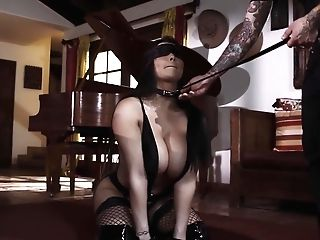 Obedient Huge-boobed Mummy Romi Rain Does Everything Her Man Desires